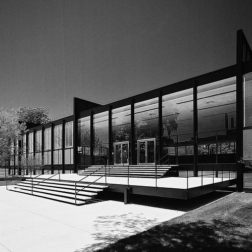 Illinois Institute of Technology - mies van der rohe
