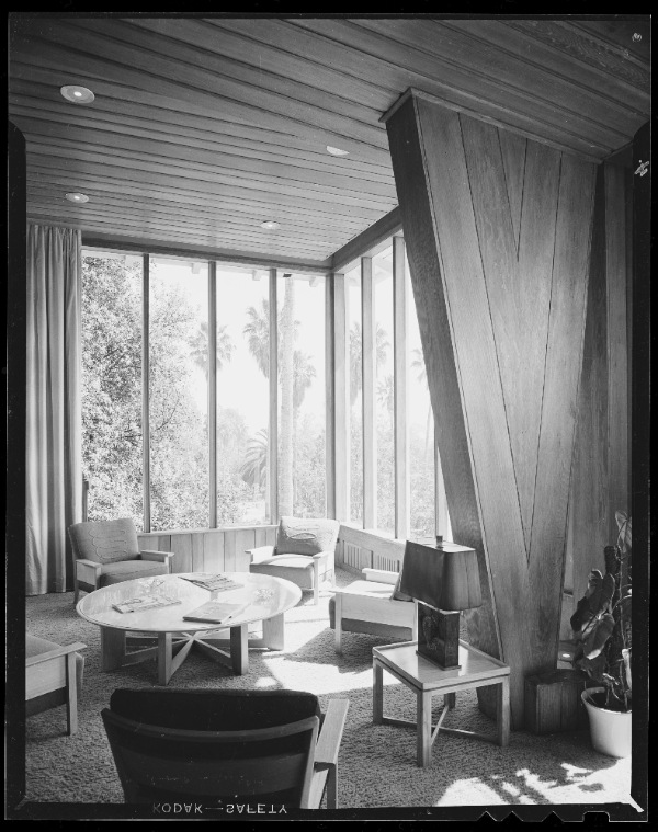 The Beverly Hills Hotel Photographed By Julius Shulman