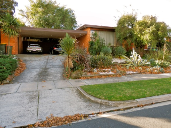 darren mid century modern house - outside
