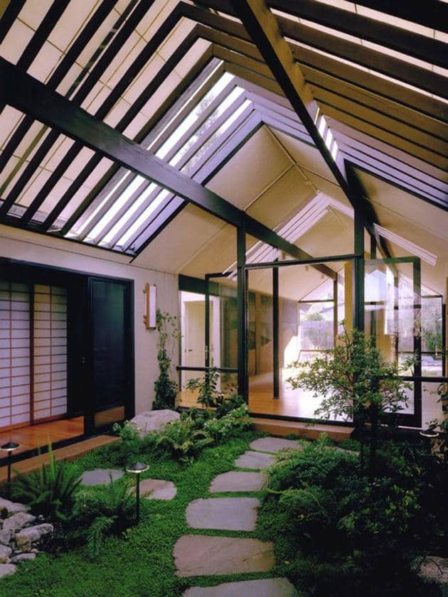 5 mid century houses atriums perfect to relax for Atrium home plans