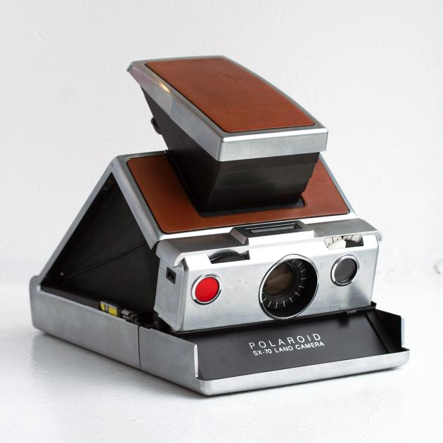 polaroid sx-70 camera - eames