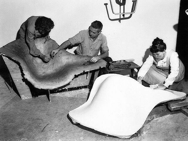 charles and ray eames la chaise chair
