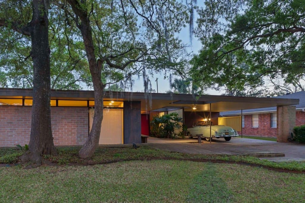 Mid century modern on the cusp the bendit house mid for Mid century modern homes