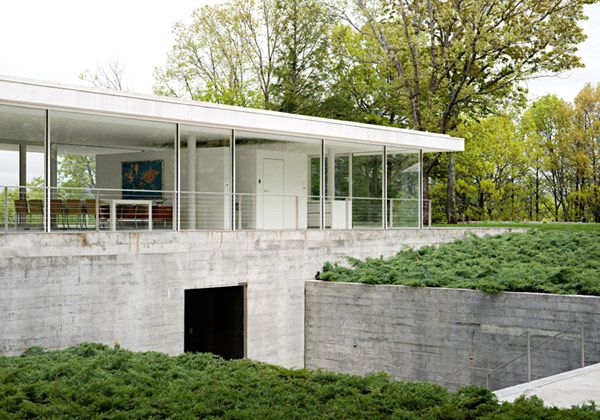 Glass house - olnick-spanu-house