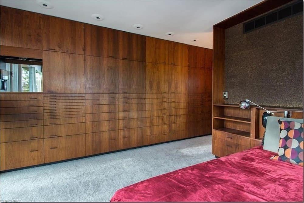 mid century house Cuyahoga Valley architect E. Keith Haag bedroom