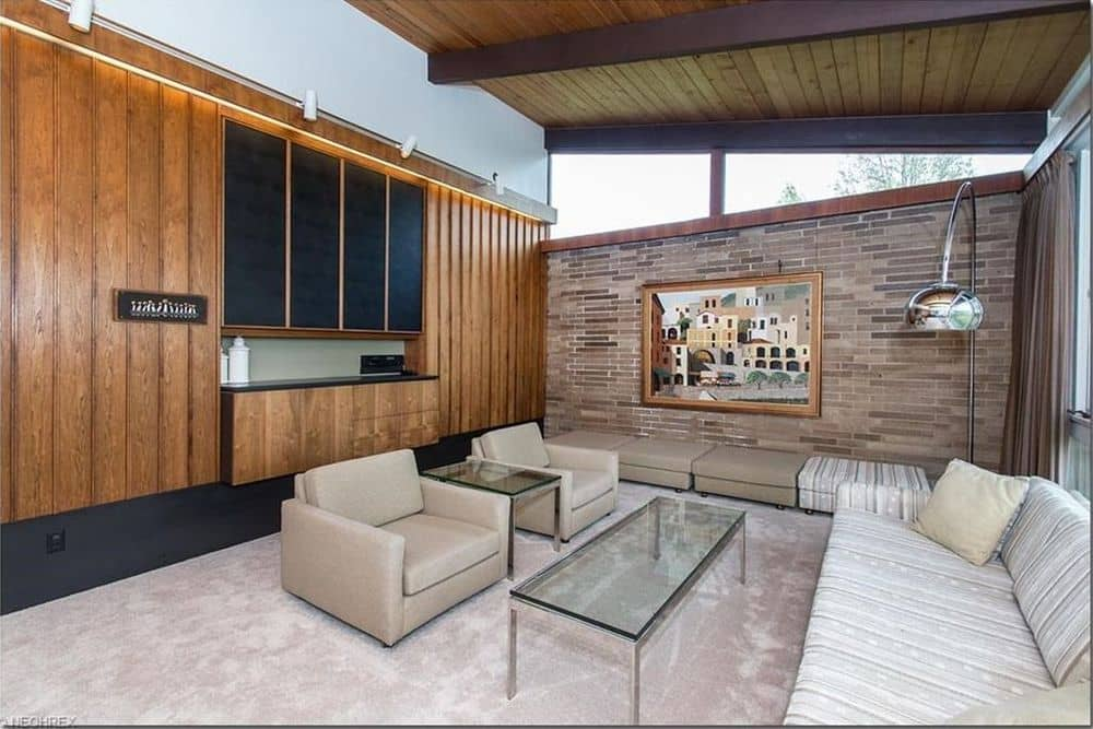 mid century house Cuyahoga Valley architect E. Keith Haag living area