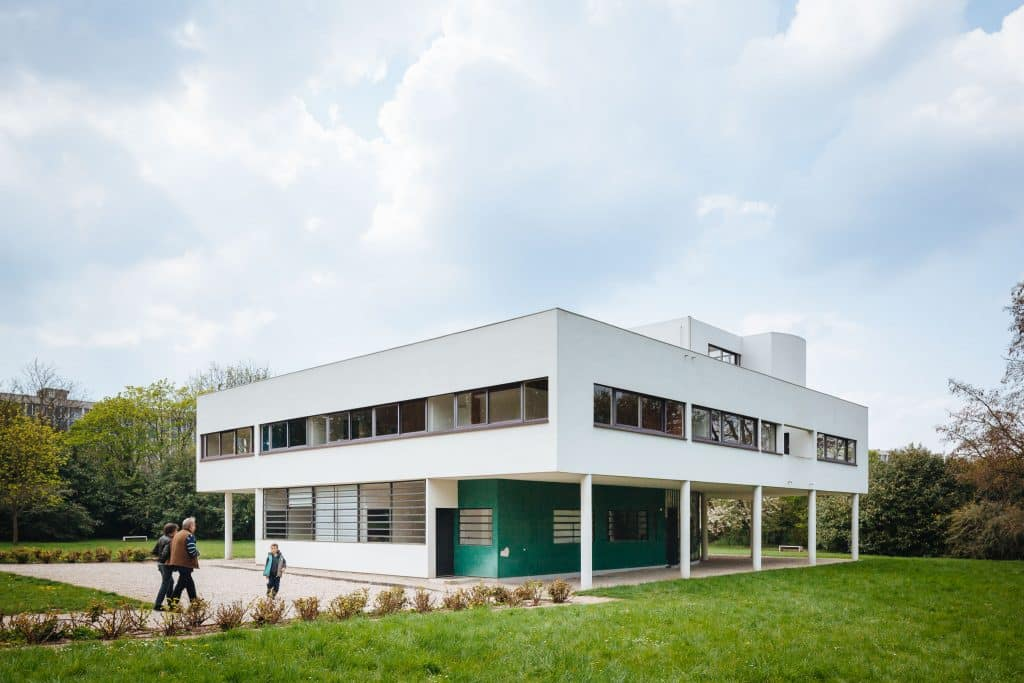 Le Corbusier\'s Five Points at the Villa Savoye - Mid Century Home