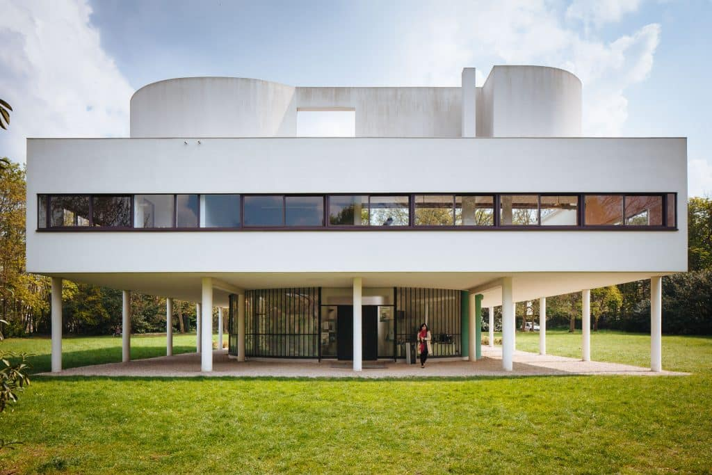 Le Corbusier Villa Savoye exterior back