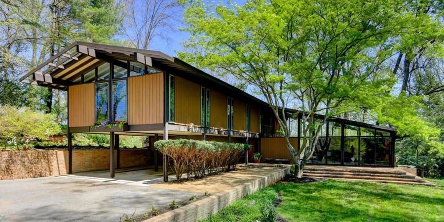 Mid Century house in Knoxville - exterior